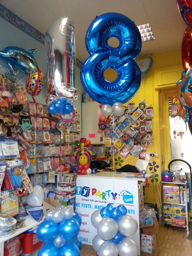 Festa 18 anni palloncini allestimenti gadget for Tavolo 18 anni ragazzo