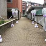 ingresso sposi con palloncini