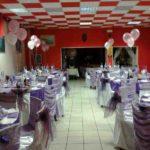 centrotavola-palloncini-sposi-bianco-rosa