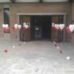 ingresso-palloncini-sposi-chiesa