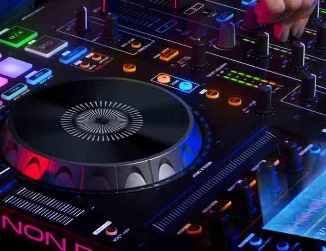 deejay-consolle-DJ-musica